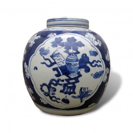 Ginger jar with blue and white underglaze decoration
